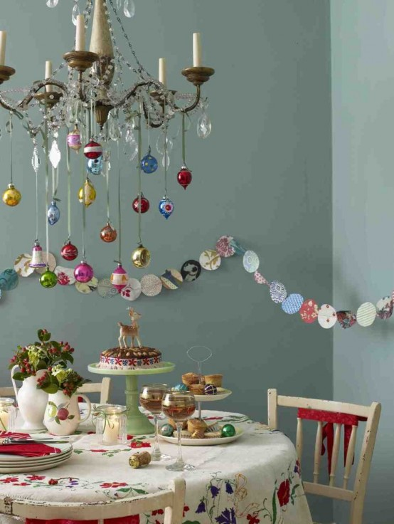 stunning-christmas-dining-room-decor-ideas-35-554x736